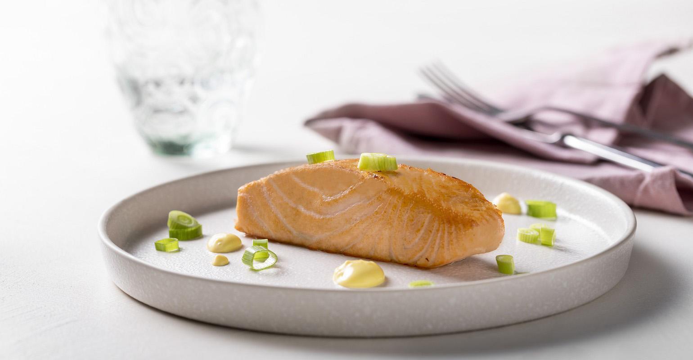 application_fish analogue_plant-based_salmon_baked_orange