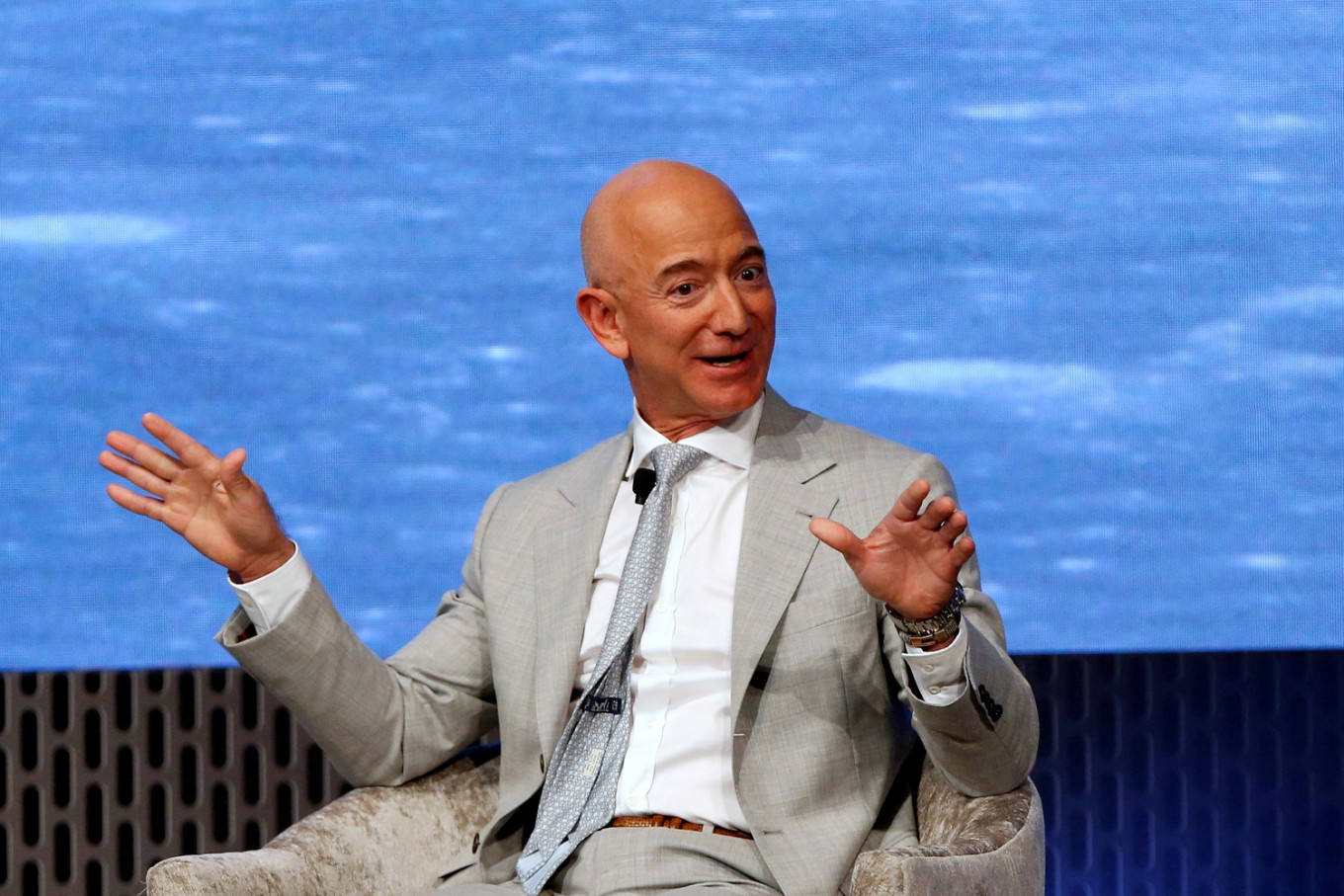 Jeff Bezos steps down from his role of CEO