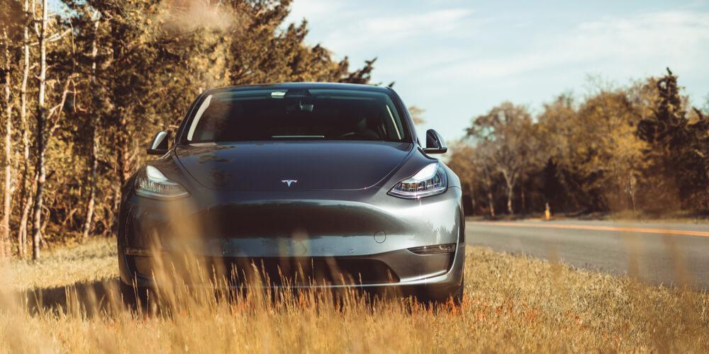 No pre-earnings delirium for Tesla DAY AHEAD